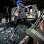 Из-за долгов по зарплате женщины остановили работу шахты