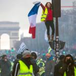 «Желтые жилеты» объединяются с профсоюзами, чтобы агитировать за всеобщую забастовку во Франции