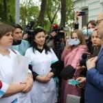 Медсестра лікує, олігарх грабує! Протест медиків у Києві