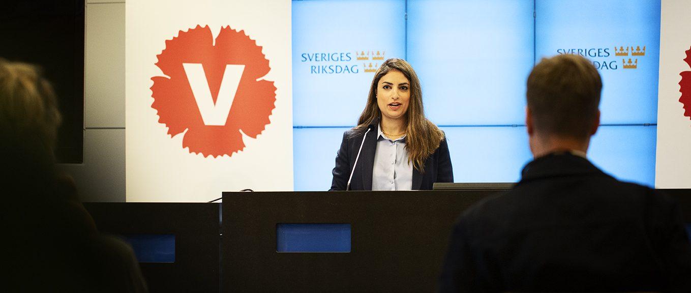 Нуші Дадгостар, лідерка Лівої партії Швеції
